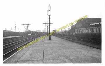 Dundee West Railway Station Photo. Caledonian Railway. (4)