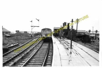 Dunstable North Railway Station Photo. Standridgeford Line. LNWR. (5)