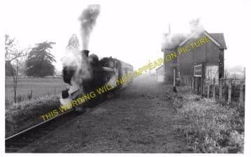 Easton Court Railway Station Photo. Woofferton - Tenbury Wells. GWR + L&NWR. (4)