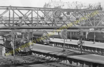 Edinburgh Waverley Railway Station Photo. North British Railway (26)