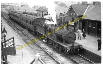 Edmondthorpe & Wymondham Railway Station Photo. Saxby - South Witham. (1)..