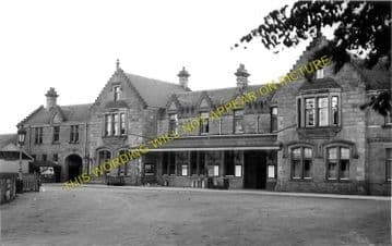 Elgin East Railway Station Photo. Lossiemouth and Calcots Line. GNSR. (3)