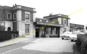 Ely Railway Station Photo. Waterbeach - Littleport. Cambridge to Kings Lynn. (11)