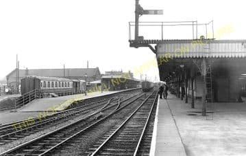 Ely Railway Station Photo. Waterbeach - Littleport. Cambridge to Kings Lynn. (4)