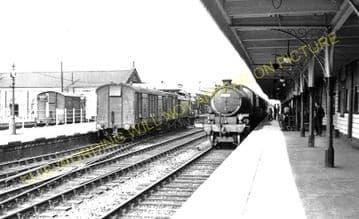 Ely Railway Station Photo. Waterbeach - Littleport. Cambridge to Kings Lynn. (6)
