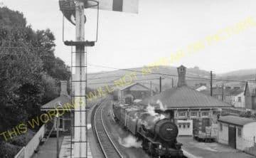 Ferryside Railway Station Photo. Carmarthen - Kidwelly. Llanelly Line. (4)
