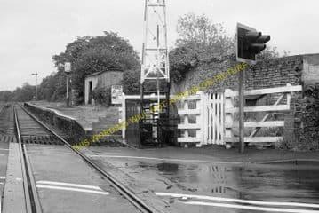 Ffairfach Railway Station Photo. Llandilo - Llandebie. Pantyffynnon Line. (9).