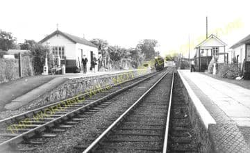 Forden Railway Station Photo. Welshpool - Montgomery. Abermule Line. (2)