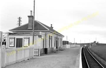 Garmouth Railway Station Photo. Spey Bay - Urqhart. Buckie to Elgin Line. (4)