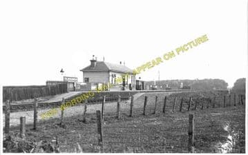 Glassaugh Railway Station Photo. Portsoy - Tochieneal. Tillynaught to Cullen (1)