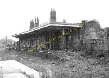 Godmanchester Railway Station Photo. Huntingdon - St. Ives. GER & GNR Joint. (2)