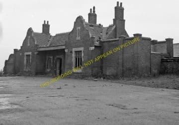 Godmanchester Railway Station Photo. Huntingdon - St. Ives. GER & GNR Joint. (6).