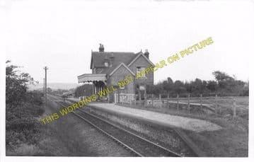 Godshill Railway Station Photo. Merstone - Whitwell. Ventnor Line. (3)