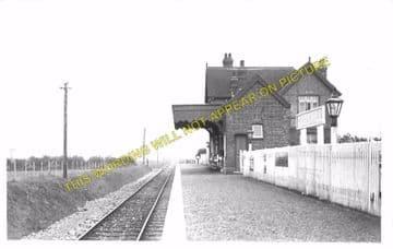 Godshill Railway Station Photo. Merstone - Whitwell. Ventnor Line. (4)