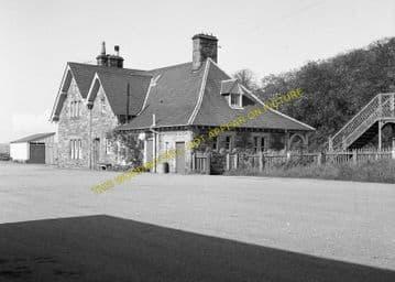 Golspie Railway Station Photo. The Mound - Dunrobin. Brora Line. Highland. (6)
