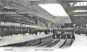 Gourock Railway Station Photo. Greenock and Port Glasgow Line. Caledonian. (7)