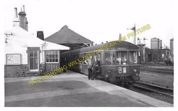 Grangemouth Railway Station Photo. Falkirk Line. Caledonian Railway. (2)