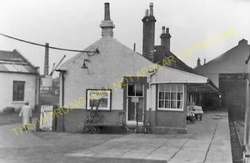 Grangemouth Railway Station Photo. Falkirk Line. Caledonian Railway. (3).
