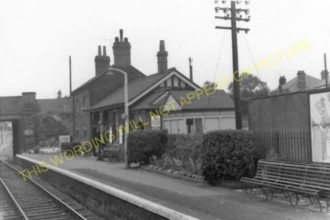 Gwersyllt Railway Station Photo. Wrexham - Cefn-y-Bedd. Buckley Line. GCR. (2)