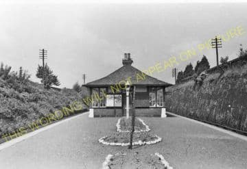 Helensburgh Upper Railway Station Photo. Craigendoran - Row. North British (2)
