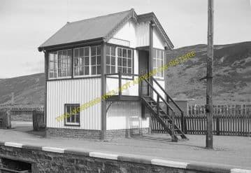 Helmsdale Railway Station Photo. Loth - Kildonnan. Brora to Kinbrace Line (10)