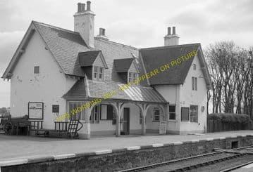 Helmsdale Railway Station Photo. Loth - Kildonnan. Brora to Kinbrace Line (3)