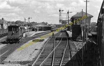 Hereford Barrs Court Railway Station Photo. Great Western Railway (1)..