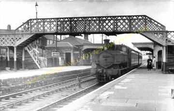 Hirwain Railway Station Photo. Aberdare - Rhigos. Merthyr to Glyn Neath Line (3)