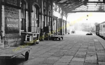 Holyhead Railway Station Photo. London & North Western Railway. (7)