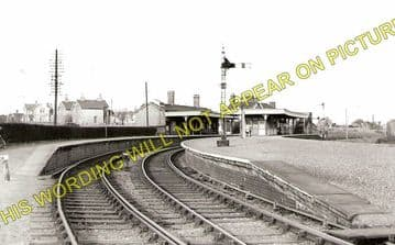 Huntingdon East Railway Station Photo. Godmanchester and St. Ives Line. (2)