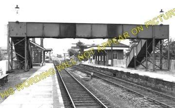 Kidwelly Railway Station Photo. Pembrey - Ferryside. Llanelly to Carmarthen. (1)..