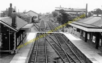 Kidwelly Railway Station Photo. Pembrey - Ferryside. Llanelly to Carmarthen. (3)