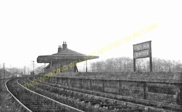 Kings Inch Railway Station Photo. Renfrew - Shieldhall. Cardonald Line. (1)