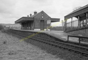 Kinross Jct. Railway Station Photo. Milnnathort to Balado & Blairadam Line (1)..