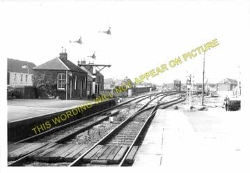 Ladybank Railway Station Photo. Kingskettle to Auchtermuchty & Cupar. (4)