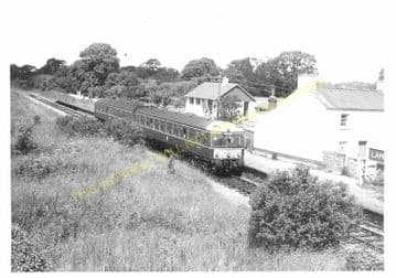 Lamphey Railway Station Photo. Pembroke - Manorbier. Penally and Tenby Line. (6)