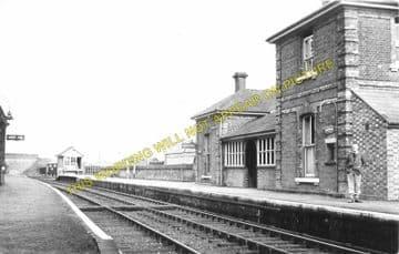 Lavenham Railway Station Photo. Long Melford - Cockfield. (6)