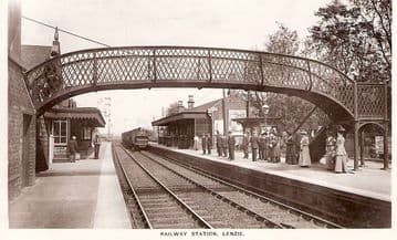Lenzie Railway Station Photo. Bishopbriggs to Kirkintilloch and Gartshore. (1)..