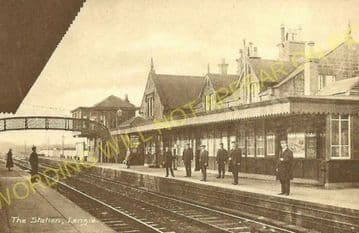 Lenzie Railway Station Photo. Bishopbriggs to Kirkintilloch and Gartshore. (5)
