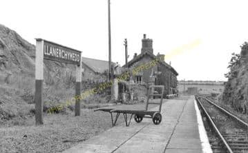 Llanerchymedd Railway Station Photo. Holland Arms - Amlwch. Anglesey. L&NWR. (2)