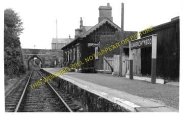 Llanerchymedd Railway Station Photo. Holland Arms - Amlwch. Anglesey. L&NWR. (3).