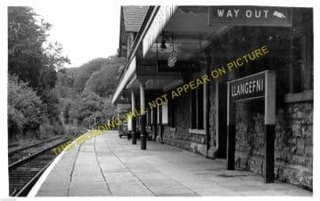 Llangefni Railway Station Photo. Holland Arms - Llangwyllog. Amlwch Line. (4)