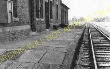 Llanrhaiadr Railway Station Photo. Denbigh - Rhewl. Rhyl to Ruthin Line. (3)