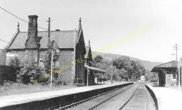 Llanrwst & Trefriw Railway Station Photo. Bettws-y-Coed - Llandudno. L&NWR. (1)