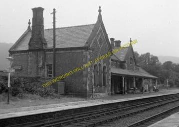 Llanrwst & Trefriw Railway Station Photo. Bettws-y-Coed - Llandudno. L&NWR. (3)