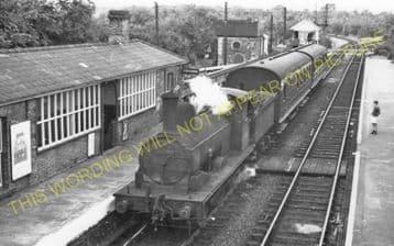Long Melford Railway Station Photo. Sudbury to Glemsford and Lavenham Lines. (15)