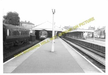 Lowestoft Central Railway Station Photo.Oulton Broad and Beccles Lines. GER. (8)
