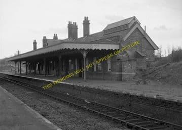 Lowestoft North Railway Station Photo. Corton and Hopton Line. N&S Joint. (2)
