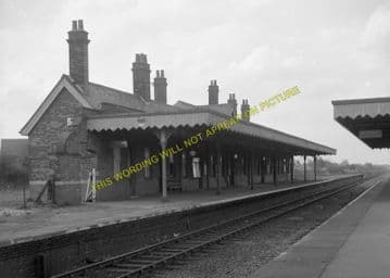Lowestoft North Railway Station Photo. Corton and Hopton Line. N&S Joint. (4)
