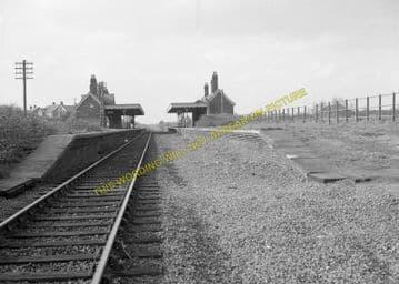 Lowestoft North Railway Station Photo. Corton and Hopton Line. N&S Joint. (9)